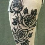 Rose tattoo, ruusutatuointi, black & grey rose, mustaharmaa tatuointi, salla zombie tattoo, zombie tattoo, zombie tattoo helsinki,